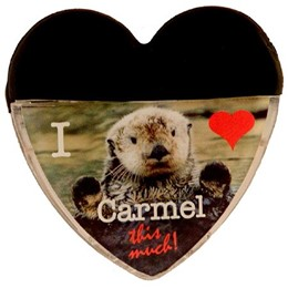 Carmel Otter I Heart-Shaped Clip Magnet